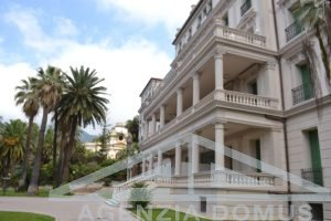 [:en]AG-DOM 1019 - Apartment in period building in Ospedaletti[:it]AG-DOM 1019 - Appartamento in casa d'epoca ad Ospedaletti[:zh]AG-DOM 1019 - [:ru]AG-DOM 1019 - Квартира в старинном здании на продажу в Оспедалетти[:fi]AG-DOM 1019 - [:sv]AG-DOM 1019 - [:ua]AG-DOM 1019 - [:fr]AG-DOM 1019 - Appartement dans un batiment d'époque à Ospedaletti[:]