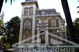 [:it]AG-DOM F073 - Villa in Stile Liberty in vendita a Sanremo[:ru]AG-DOM F073 - Вилла в стиле Либерти на продажу в Санремо[:]