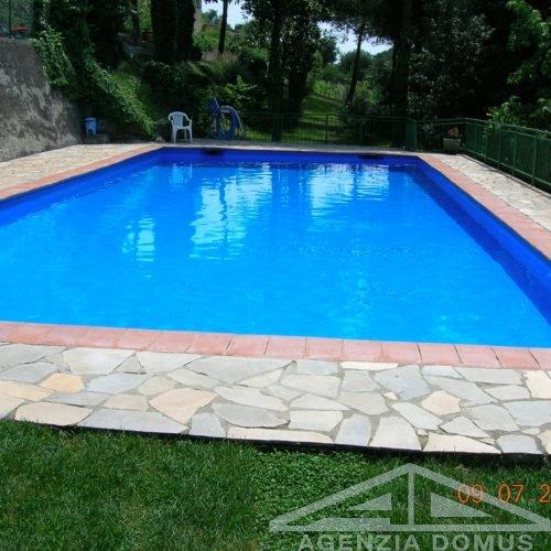 piscina condominiale