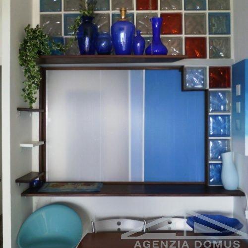 Giannone_Ospedaletti-foto-05-soggiorno-angolo-tavolo