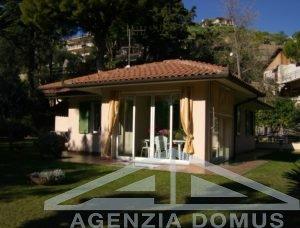 [:en]AG-DOM 5053 - Villa for sale in Bordighera[:it]AG-DOM 5053 - Villa in vendita a Bordighera[:ru]AG-DOM 5053 - Вилла на продажу в Бордигере[:fr]AG-DOM 5053 - Villa à vendre à Bordighera[:]