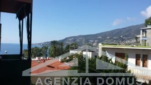 [:en]AG-DOM 224 - Recently renovated apartment in Ospedaletti for rent[:it]AG-DOM 224 - Appartamento ristrutturato in affitto stagionale ad Ospedaletti[:]
