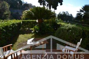 [:en]AG-DOM 1346 - Apartment in villa with garden for sale Ospedaletti[:it]AG-DOM 1346 - Bilocale in villa con Giardino in vendita Ospedaletti[:]