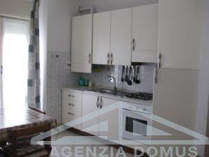[:it]AG-DOM 241 - Appartamento centralissimo in affitto ad Ospedaletti[:]