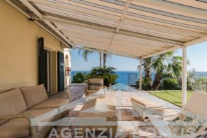 [:en]AG-DOM 1394 - Villa for sale in Ospedaletti[:it]AG-DOM 1394 - Villa in vendita in Ospedaletti[:]