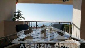 [:it]AG - DOM 264 - Appartamento in complesso con piscina in affitto ad Ospedaletti[:]